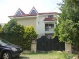 BELLA Real Estate ponúka na predaj luxusný 8 izb. rodinný dom v Podunajských Biskupiciach