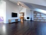 BELLA Real Estate ponúka na predaj priestranný slnečný 3izb. byt v Starom Meste