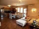 BELLA Real Estate ponúka na predaj 3 izb. byt s veľkou záhradou v Rajke