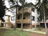 BELLA Real Estate ponúka na predaj priestranný pozemok s RD v Senci pri jazere
