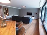 BELLA Real Estate ponúka na prenájom veľkorysý  4izb. byt 174m2 + 152m2 terasa v novej vile na Slavíne