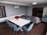 BELLA Real Estate ponúka na predaj 4izb. byt s terasou s výhľadom na celú Bratislavu v novej vile na Slavíne