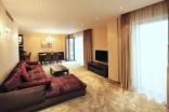 BELLA Real Estate ponúka na predaj luxusný veľkometrážny 2 izb. byt v komplexe Eurovea na nábreží Dunaja