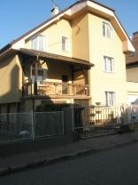 BELLA Real Estate ponúka na predaj 6 izbový Rodinný dom na Liptovskej ulici v Ružinove